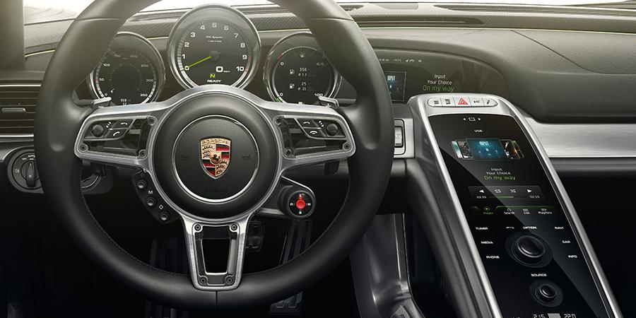 New 2015 Porsche 918 Spyder - Laval | Porsche Lauzon  Porsche 918 Spyder 2015 Interior